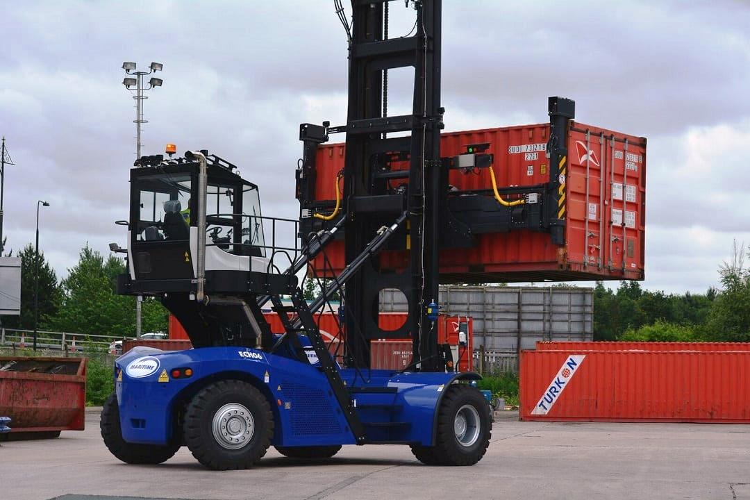 2.LCH МАНИПУЛАТОР ЗА КОНТЕЙНЕРИ PROINSTALL Loaded Container Handler