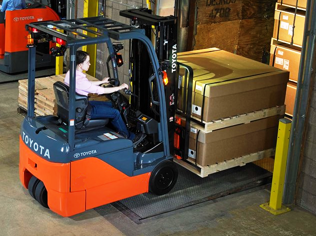 3. ЕЛЕКТРОКАР PROINSTALL electric forklift