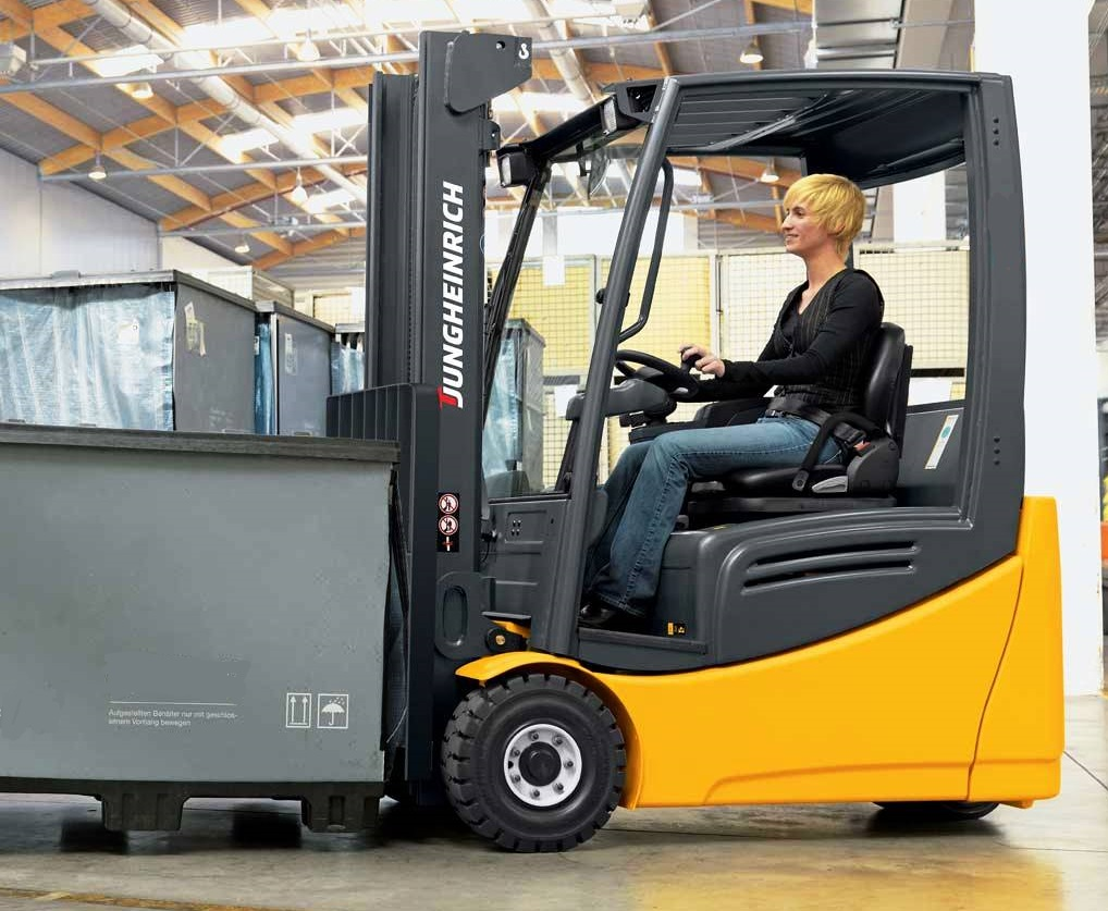 4. ЕЛЕКТРОКАР PROINSTALL electric forklift