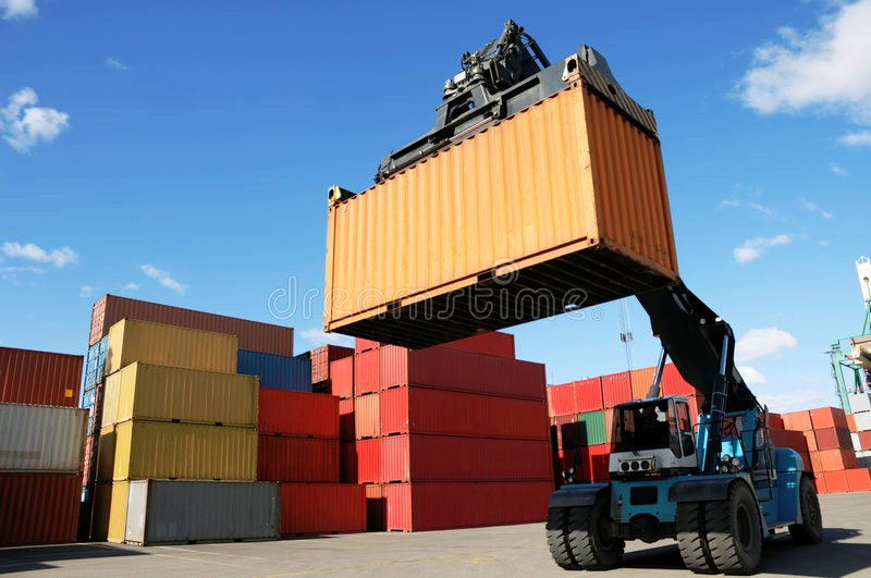 4.LCH МАНИПУЛАТОР ЗА КОНТЕЙНЕРИ PROINSTALL Loaded Container Handler