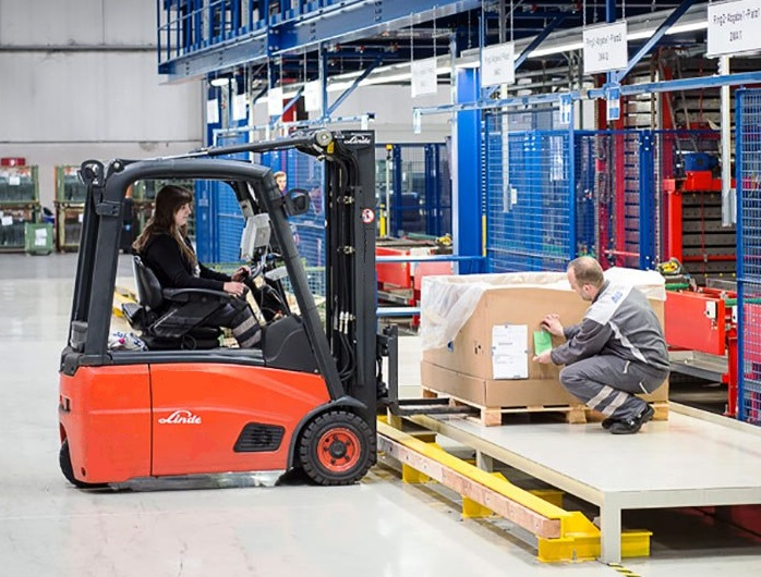 5. ЕЛЕКТРОКАР PROINSTALL electric forklift