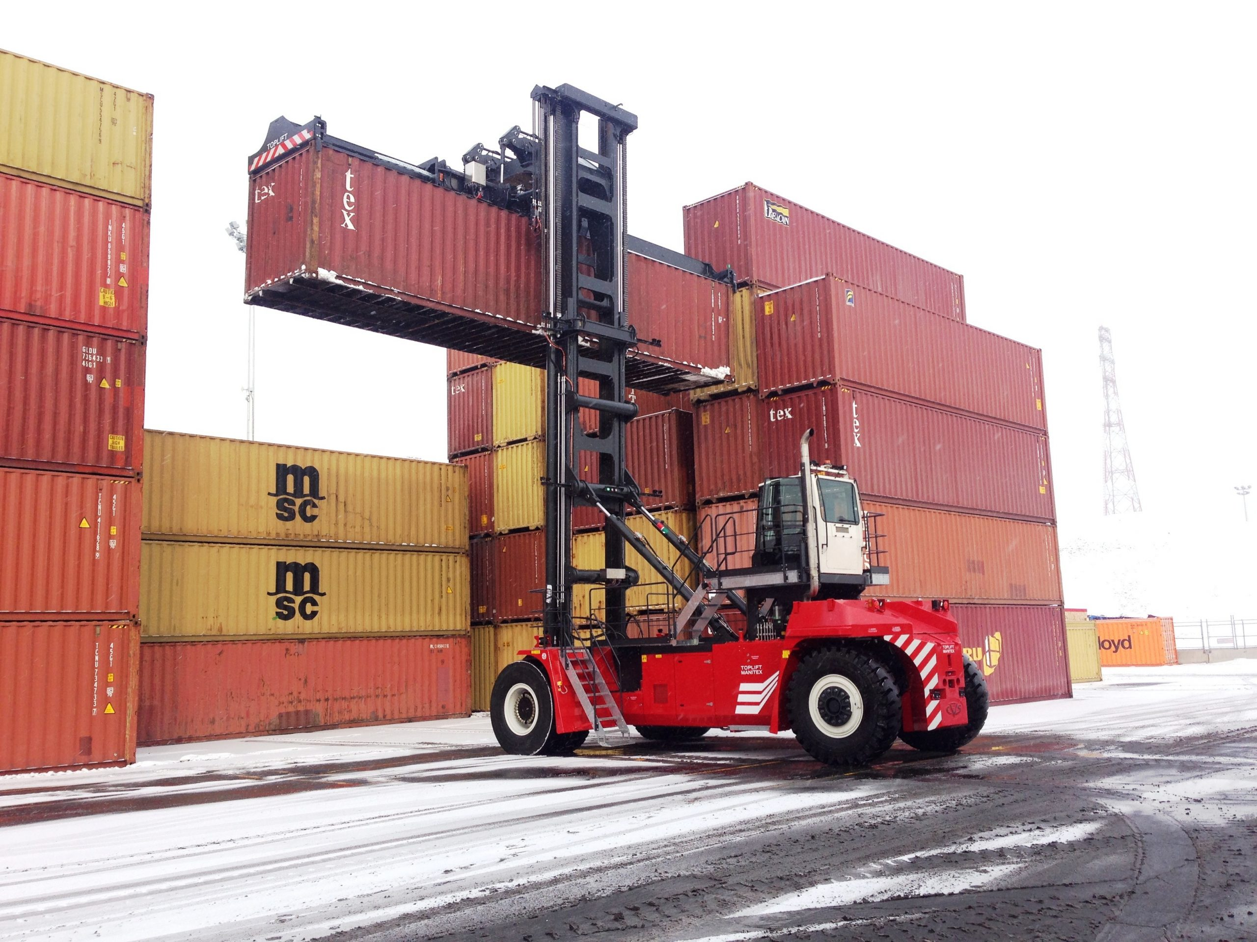 5.LCH МАНИПУЛАТОР ЗА КОНТЕЙНЕРИ PROINSTALL Loaded Container Handler