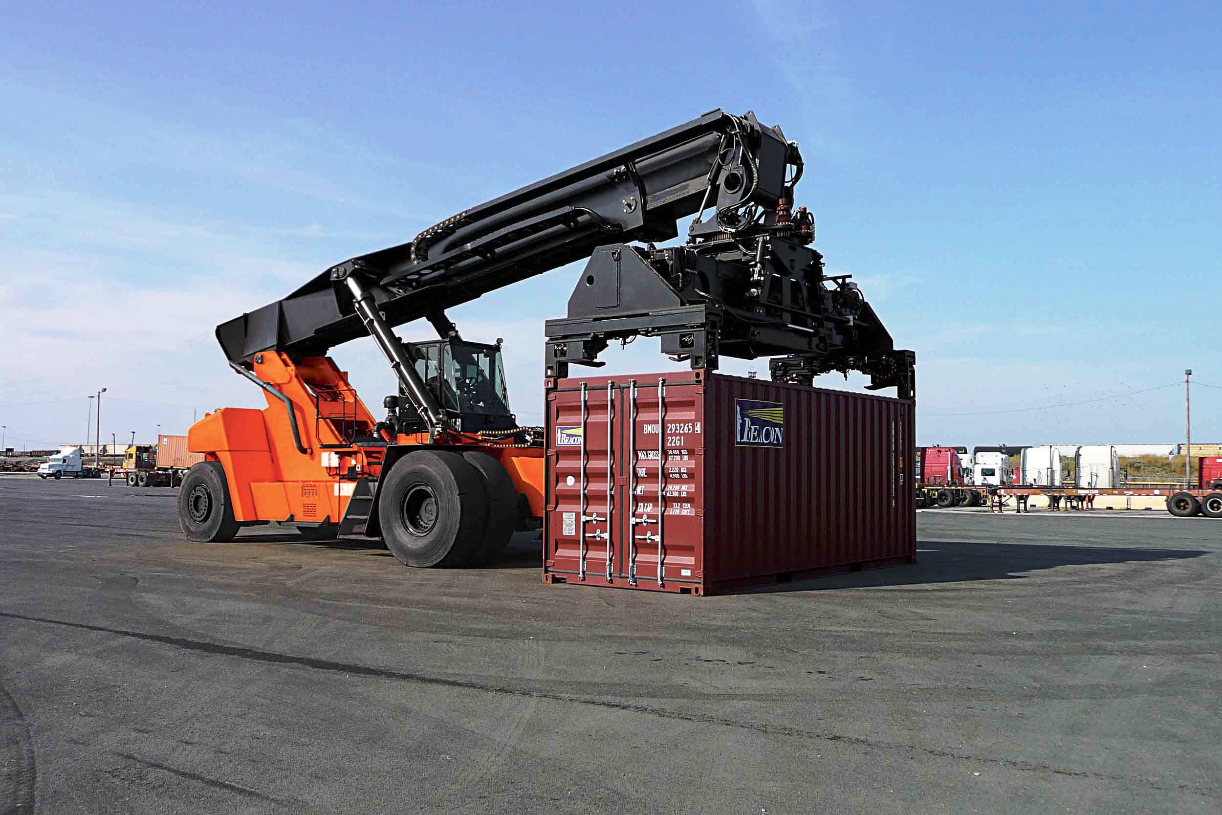 6.LCH МАНИПУЛАТОР ЗА КОНТЕЙНЕРИ PROINSTALL Loaded Container Handler